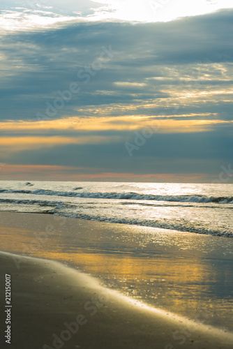 Fotografia, Obraz  Quiet sunrise on the beach at Hilton Head Island SC