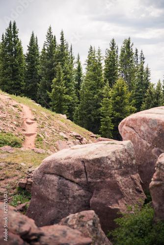 Fotobehang Zalm A mountain landscape behind rocks in Colorado.