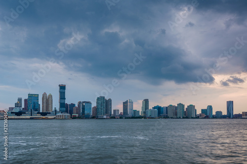 Foto op Aluminium New York A view of the Jersey City skyline from Battery Park City, in Lower Manhattan, New York City