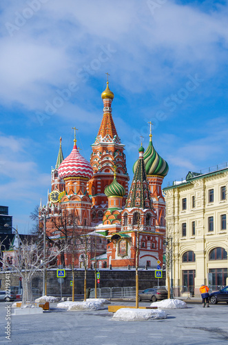 Staande foto Aziatische Plekken MOSCOW, RUSSIA - February, 2018: Saint Basil's Cathedral, view from Zaryadye Park