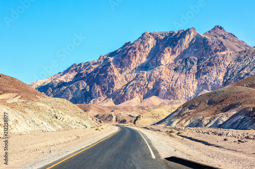 Fotografie, Obraz  Road in Death Valley National Park (Artist's Drive), United States