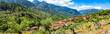 Panorama Blick auf das Dorf Fornalutx in der Berg Landschaft von Sierra de Tramuntana, Mallorca Spanien