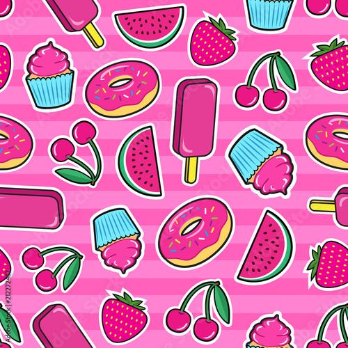 sliczny-bezszwowy-wzor-z-kolorowymi-latami-naklejki-lody-wisnia-truskawka-arbuz-paczek-ciastko-itp-na-rozowym-tle-fajne