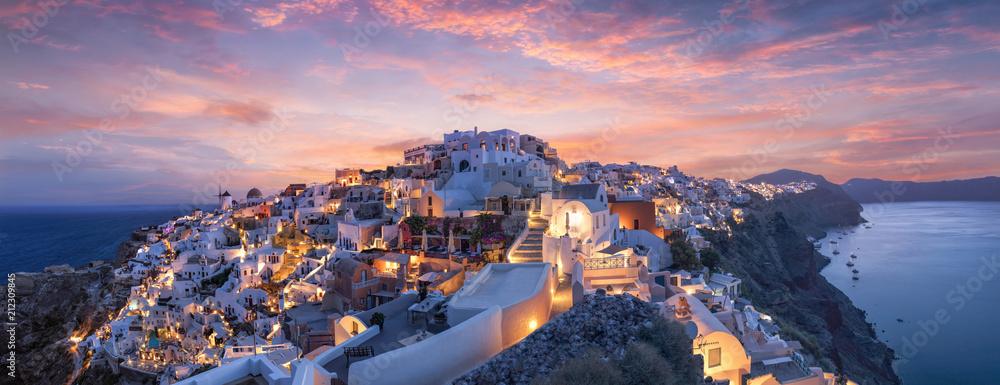Fototapeta Wunderschöner Sonnenuntergang über Oia Santorini