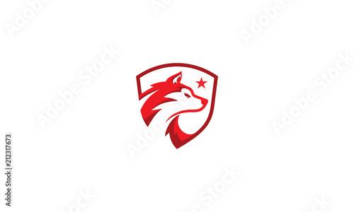 Naklejka premium ikona logo wektor tarcza wilka psa