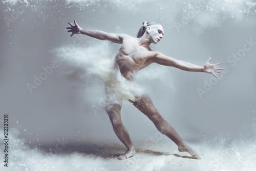 Fotografía  Dancing in flour concept