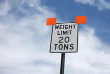 Weight Limit Road Sign