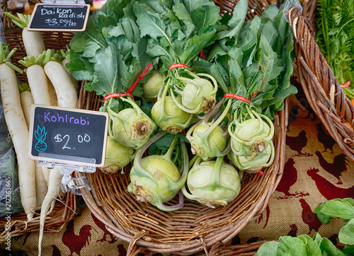 Photo Organic vegetables at a local famer's market in Astoria, Oregon