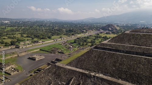 Keuken foto achterwand Grijze traf. Beautiful aerial view of the Mexican Pyramids of Teotihuacan