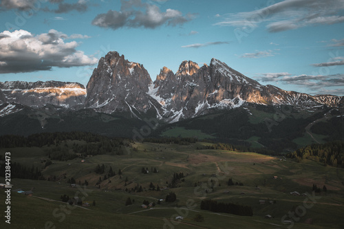 Foto op Aluminium Blauw Mountains Lakes and Nature in the Dolomites, Italy