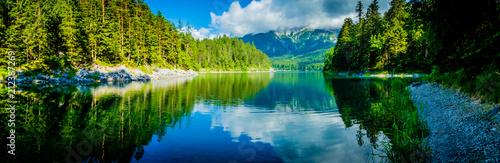 In de dag Groen blauw Eibsee - Germany