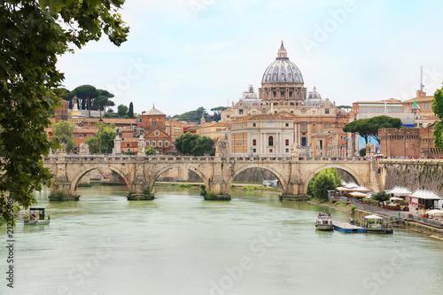 Zdjęcie XXL Ponte Sant 'Angelo z St Peter bazyliką w tle przez Tiber rzekę w Rzym, Włochy