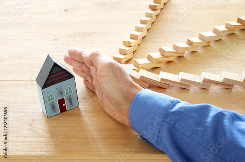 Foto  concept image of real estate insurance and protection