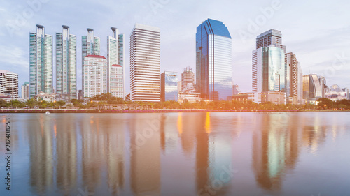 Staande foto Stad gebouw City office building water front with reflection, cityscape background