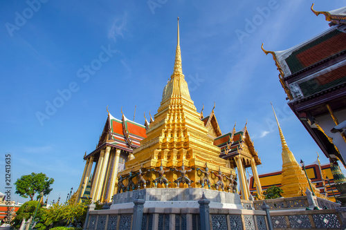 Foto op Canvas Temple Wat Phra Kaew Ancient temple in bangkok, Thailand