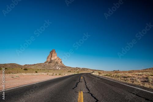 Deurstickers Verenigde Staten Empty scenic highway in Arizona