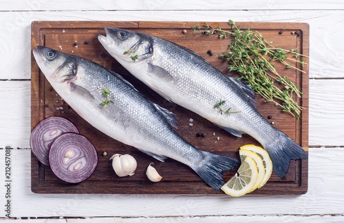 Foto op Aluminium Vis Raw sea bass fish