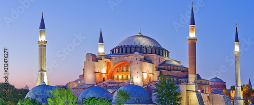Papiers peints Con. ancienne Hagia Sophia during sunset. Istanbul, Turkey