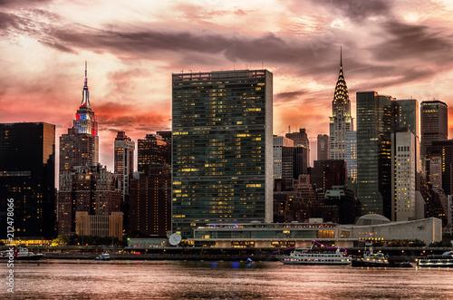 Poster Stad gebouw Manhattan skyline with reflections, NYC, USA.