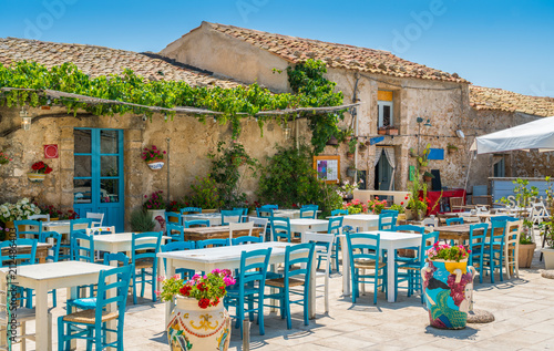 Spoed Fotobehang Europese Plekken The picturesque village of Marzamemi, in the province of Syracuse, Sicily.