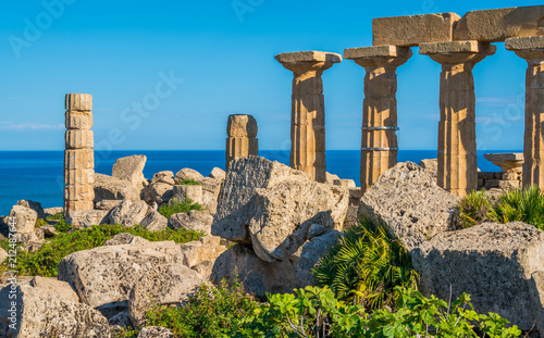 Ruins in Selinunte, archaeological site and ancient greek town in Sicily, Italy Canvas-taulu