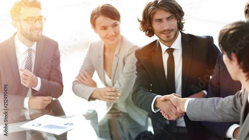 Foto op Aluminium Hoogte schaal handshake partners at a business meeting