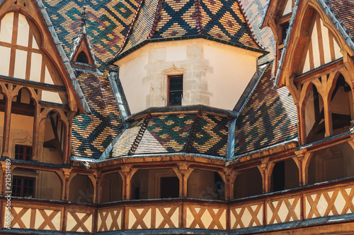 Photo sur Toile Con. Antique Hotel Dieu in beaune, France