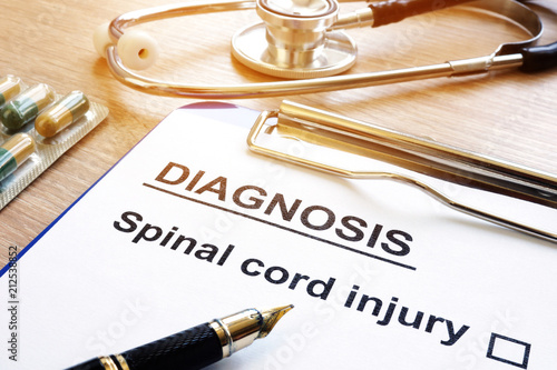 Cuadros en Lienzo  Diagnosis form with Spinal cord injury.