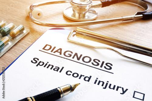 Fotografía  Diagnosis form with Spinal cord injury.