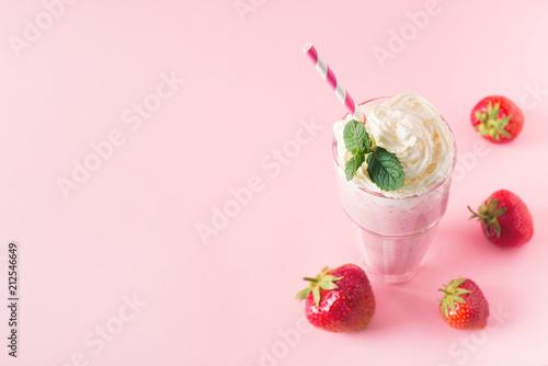 Poster Milkshake Strawberry milkshake or smoothie and fresh raw berries