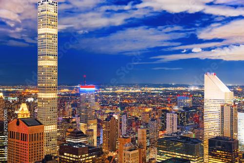 Spoed Foto op Canvas Verenigde Staten Night view of Manhattan from the skyscraper's observation deck. New York.