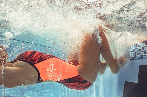 Fotomural Professional swimmer in action