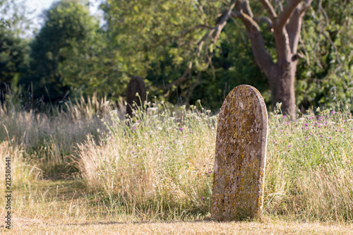 Photo Picturesque English countryside graveyard