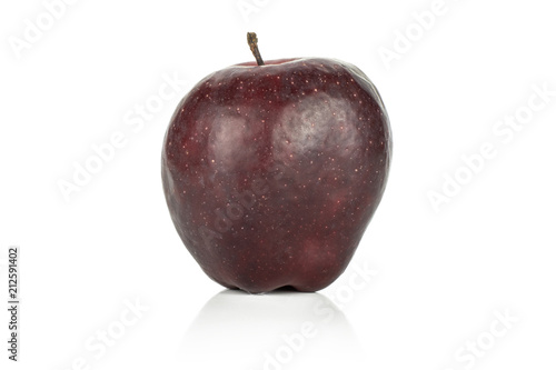 Photo  One apple red delicious isolated on white background deep red modern variety