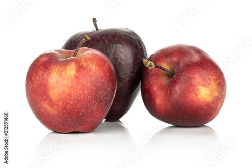 Photo  Three fresh apples red delicious stack isolated on white background