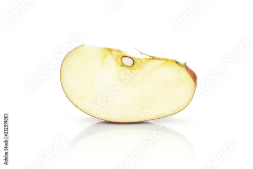 Photo  Red delicious one apple slice isolated on white background.