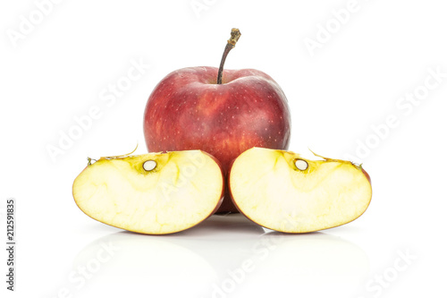 Photo  Red delicious apple and two slices isolated on white background.