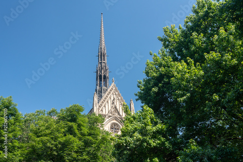 Photo  Heinz Chapel building at the University of Pittsburgh