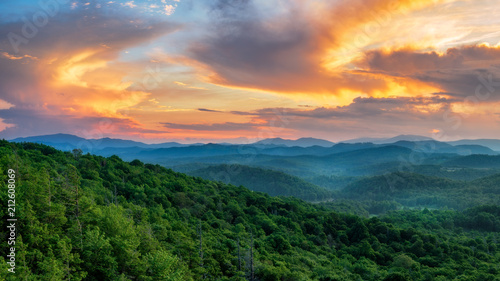Fotografering Summer sunset off the Blue Ridge Parkway at the Flat Rock overlook