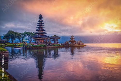 Tuinposter Donkerblauw Pura Ulun Danu Bratan, Hindu temple on Bratan lake landscape at sunrise in Bali, Indonesia.
