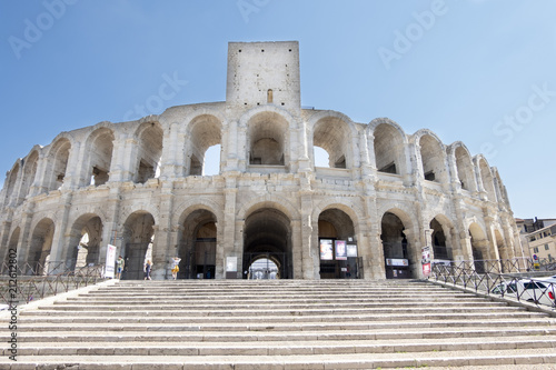Foto op Canvas Artistiek mon. Vecchio anfiteatro di Arles Francia