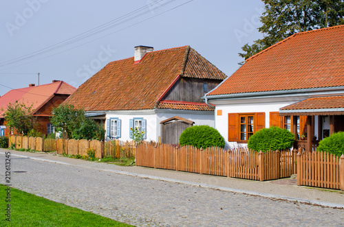 Poster Historisch geb. Traditional cottages in Tykocin - Poland