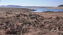 Folsom Lake , Dry Shrinking Lake