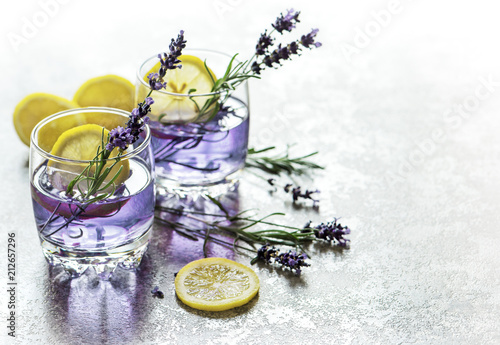 Foto op Plexiglas Cocktail Drink lemon lavender flowers summer lemonade