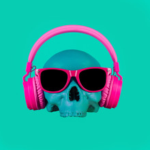 Skull In Pink Headphones And G...