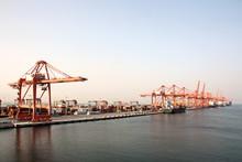 Контейнерный терминал , порт Салалах, Оман, Индийский океан