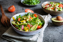 Healthy Arugula Salad With Avo...