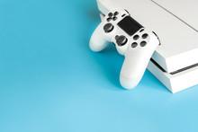 Console Games And Remote Contr...