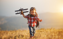 Child Pilot Aviator With Airpl...