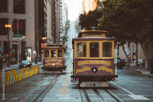 In de dag Amerikaanse Plekken San Francisco Cable Cars on California Street, California, USA